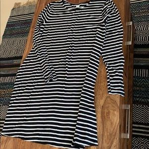 Old Navy Dresses - Long sleeve old navy striped dress